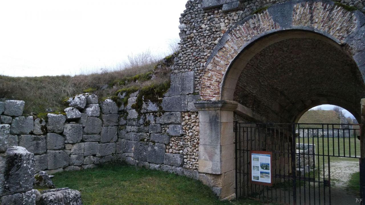 Alba-Fucens-Mura-Poligonali-Megalitiche-Albe-L-Aquila-Abruzzo-Italia-26