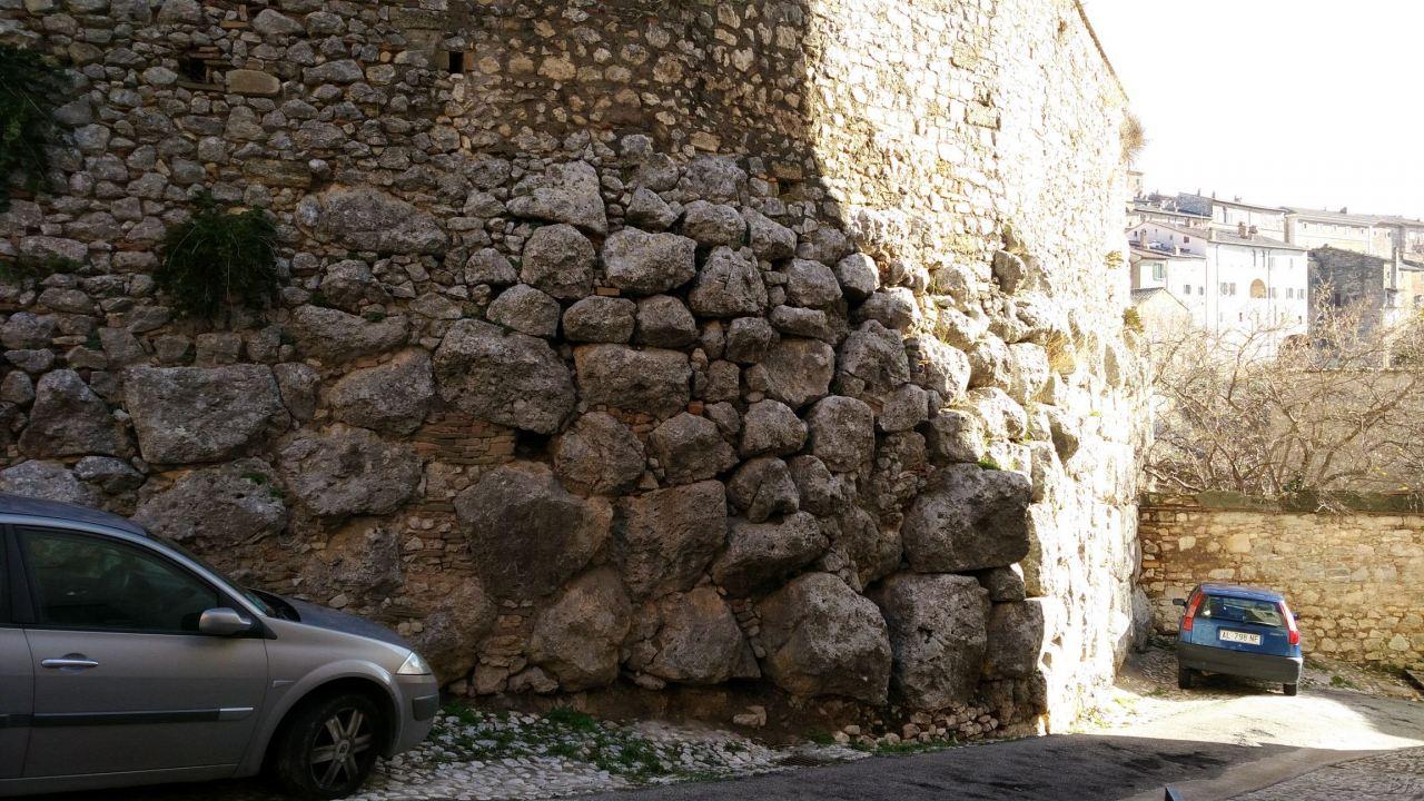 Ameria-Mura-Poligonali-Megalitiche-Amelia-Terni-Umbria-Italia-12