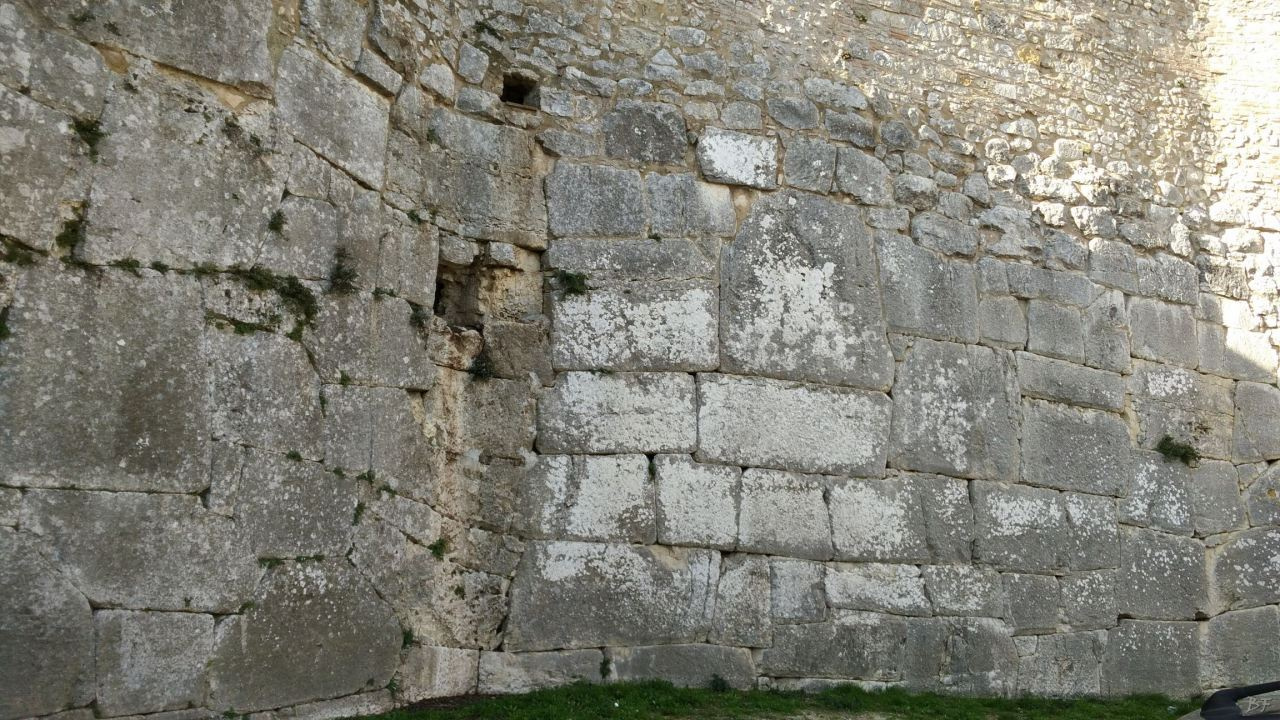 Ameria-Mura-Poligonali-Megalitiche-Amelia-Terni-Umbria-Italia-4