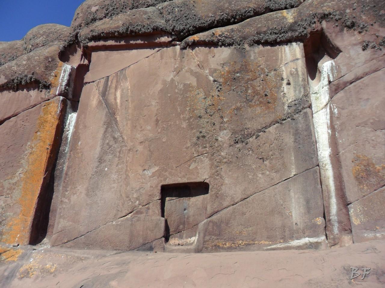 Edificio-Rupestre-Porta-Dimensionale-Megaliti-Aramu-Muru-Puno-Perù-5