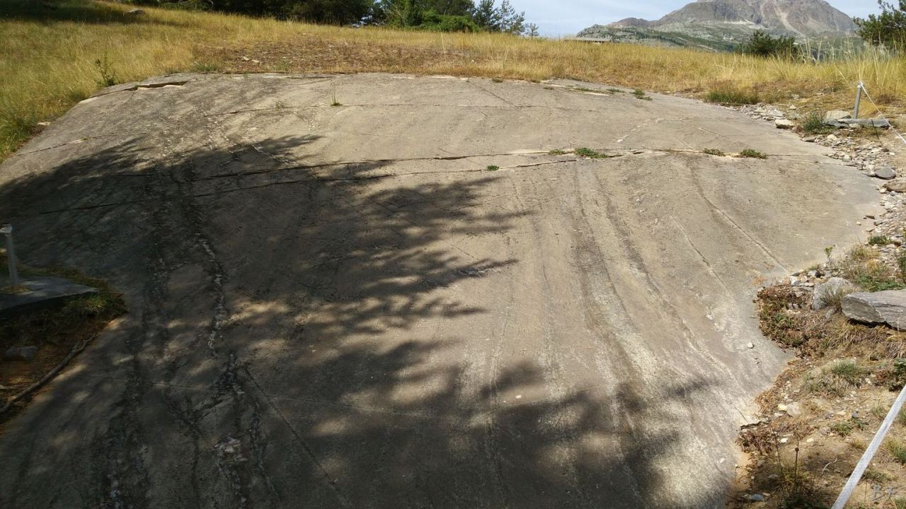 Sito-Megalitico-Incisioni-Rupestri-Parco-Archeologico-de-Lozes-Aussois-Savoia-Rodano-Alpi-Francia-18