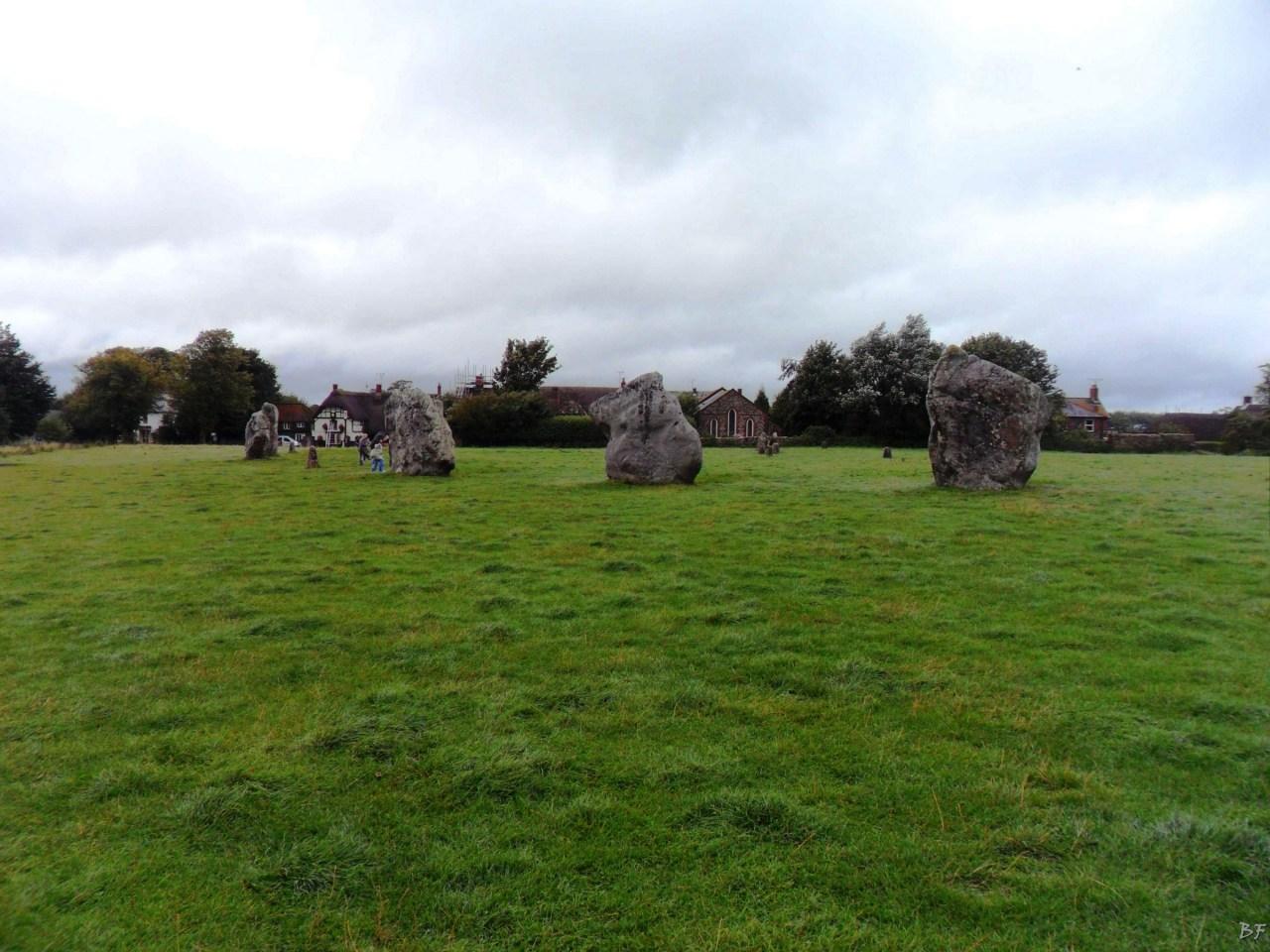 Avebury-Cromlech-Menhir-Megaliti-Wiltshire-Inghilterra-Gran-Bretagna-2
