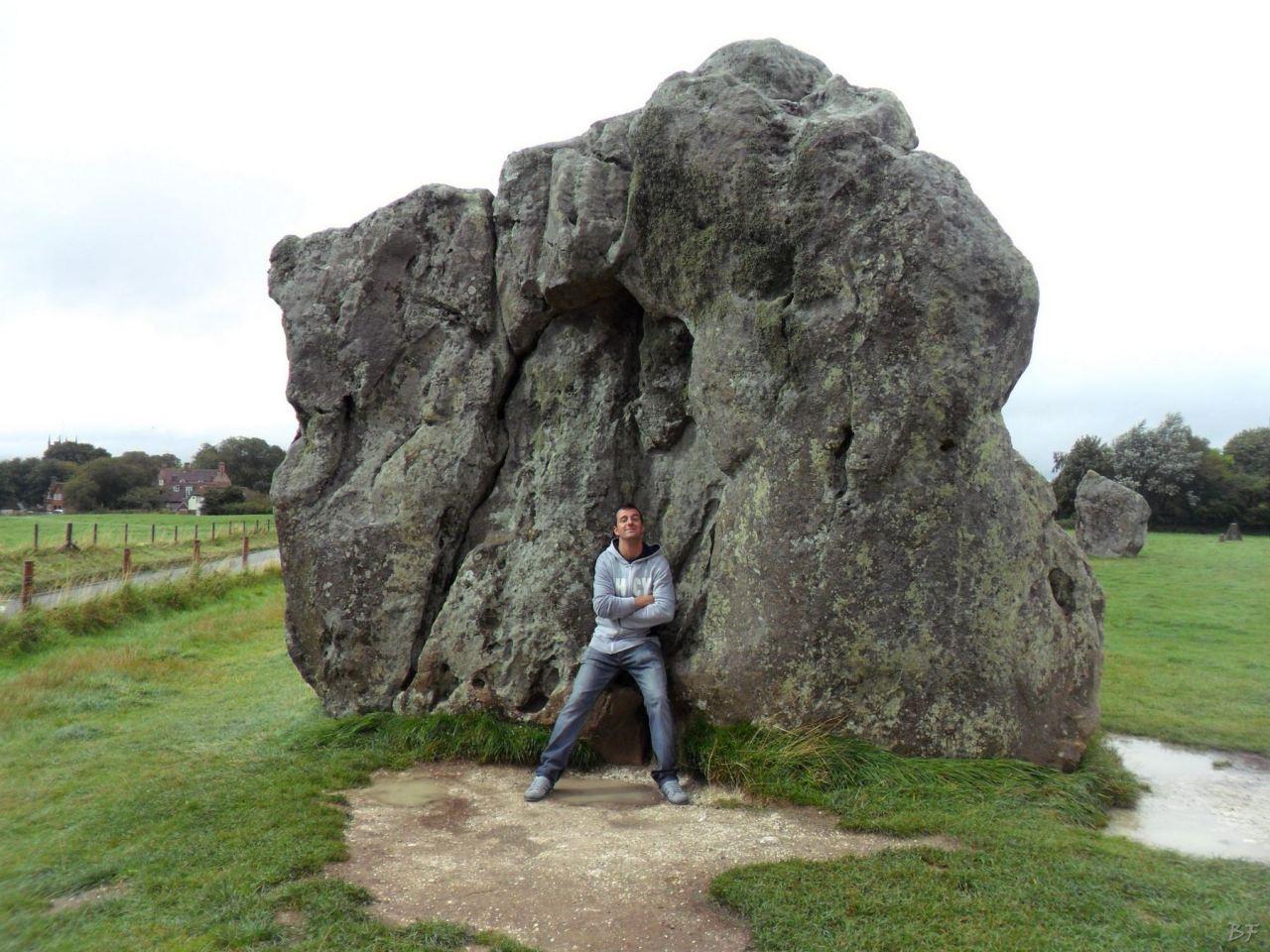 frAnk-e-Menhir-di-Avebury-Sedia-del-Diavolo-Wiltshire-Regno-Unito-Gran-Bretagna-2