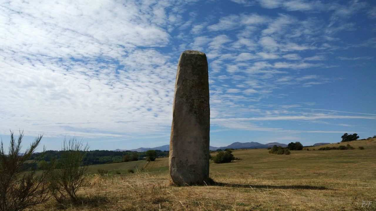 Menhir-de-Fohet-Aydat-Puy-de-Dôme-Auvergne-Rhone-Alpes-Francia-5