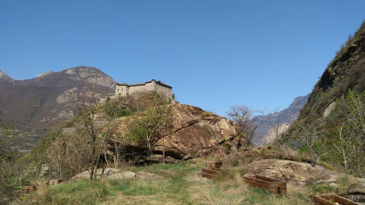 Altare-Coppelle-Bard-Valle-Aosta-Italia-1