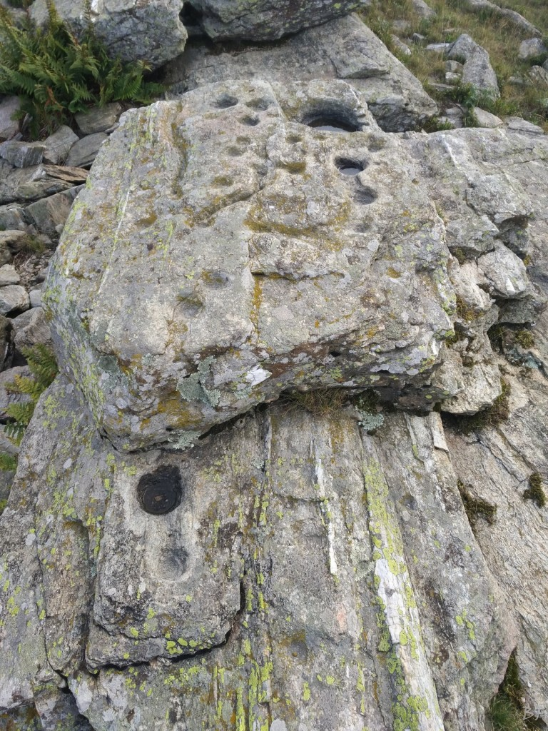 Bric-Lombatera-Cuneo-Altare-Coppelle-Cromlech-7