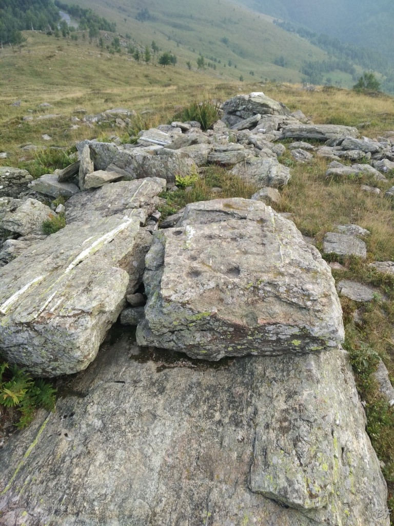 Bric-Lombatera-Cuneo-Altare-Coppelle-Cromlech-8