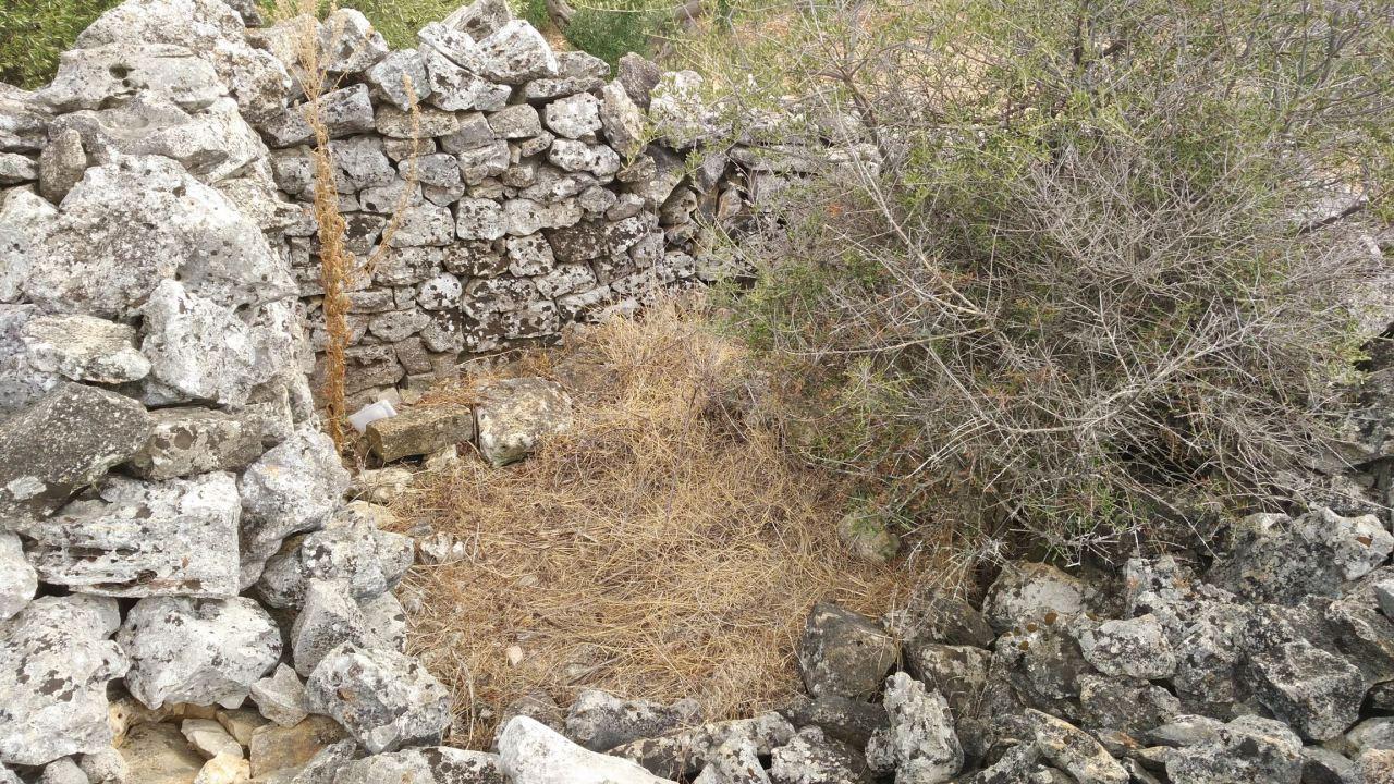 Specchia-Castelluzzo-Torre-Megalitica-Ciclopica-Ceglie-Messapica-Brindisi-Puglia-Italia-4