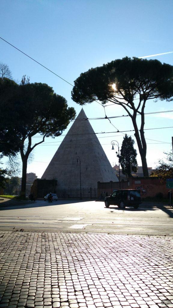 Piramide-Cestia-Resti-Antica-Roma-Megaliti-Roma-Capitale-3