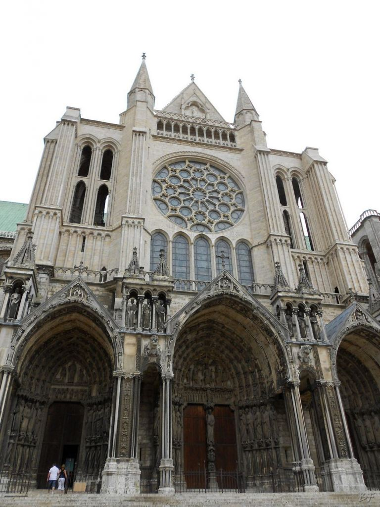 Cattedrale-Gotica-della-Vergine-Chartres-Eure-et-Loir-Centre-Val-de-Loire-Francia-11
