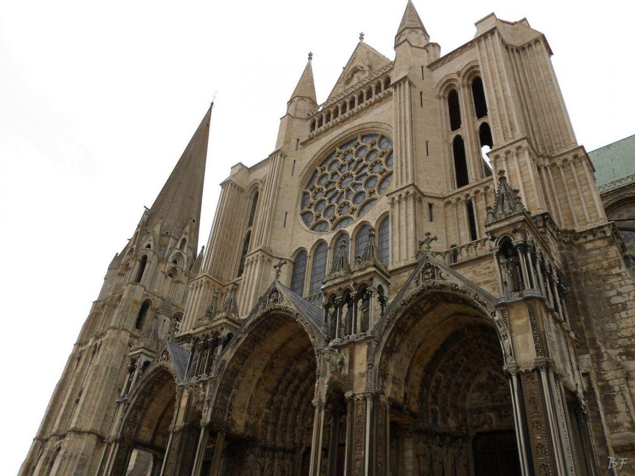 Cattedrale-Gotica-della-Vergine-Chartres-Eure-et-Loir-Centre-Val-de-Loire-Francia-16