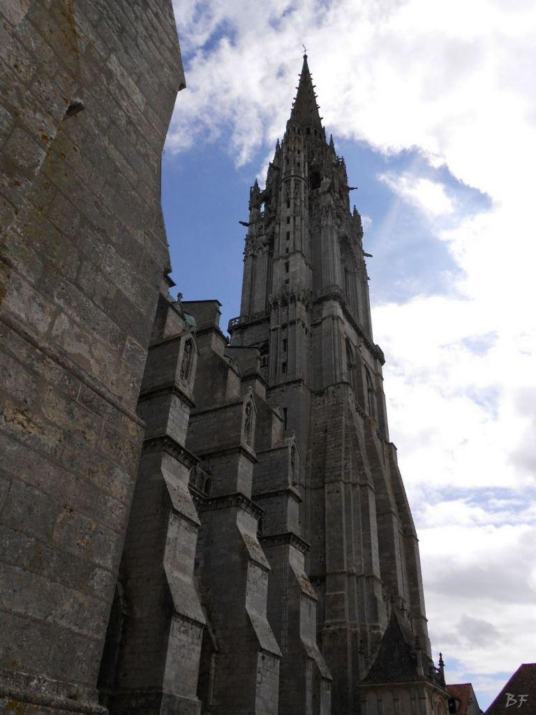 Cattedrale-Gotica-della-Vergine-Chartres-Eure-et-Loir-Centre-Val-de-Loire-Francia-4