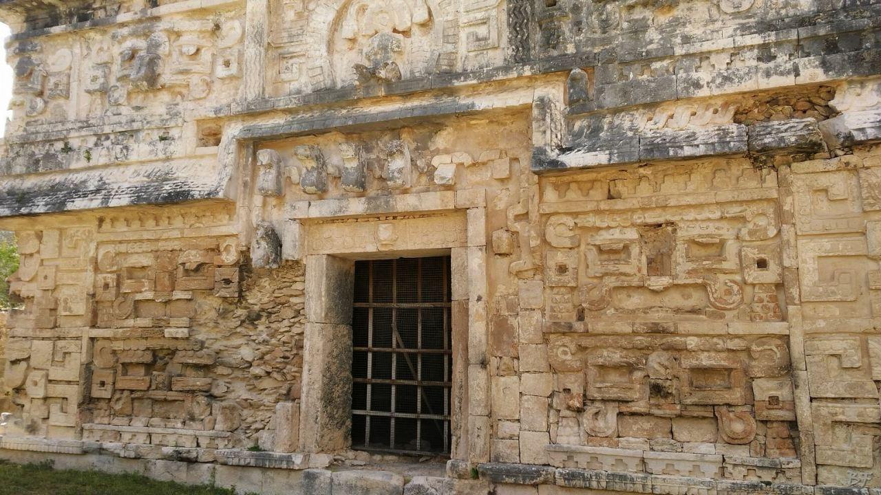 Sito-Megalitico-Maya-Chichen-Itza-Yucatan-Messico-13
