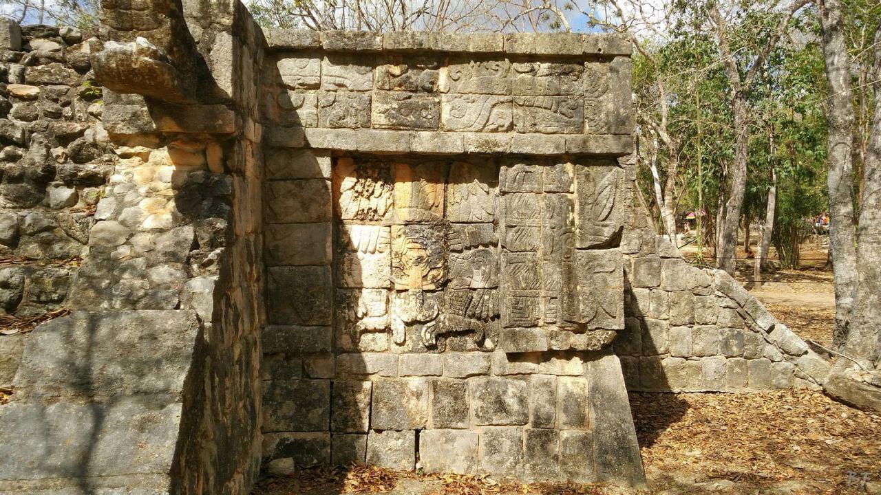 Sito-Megalitico-Maya-Chichen-Itza-Yucatan-Messico-21