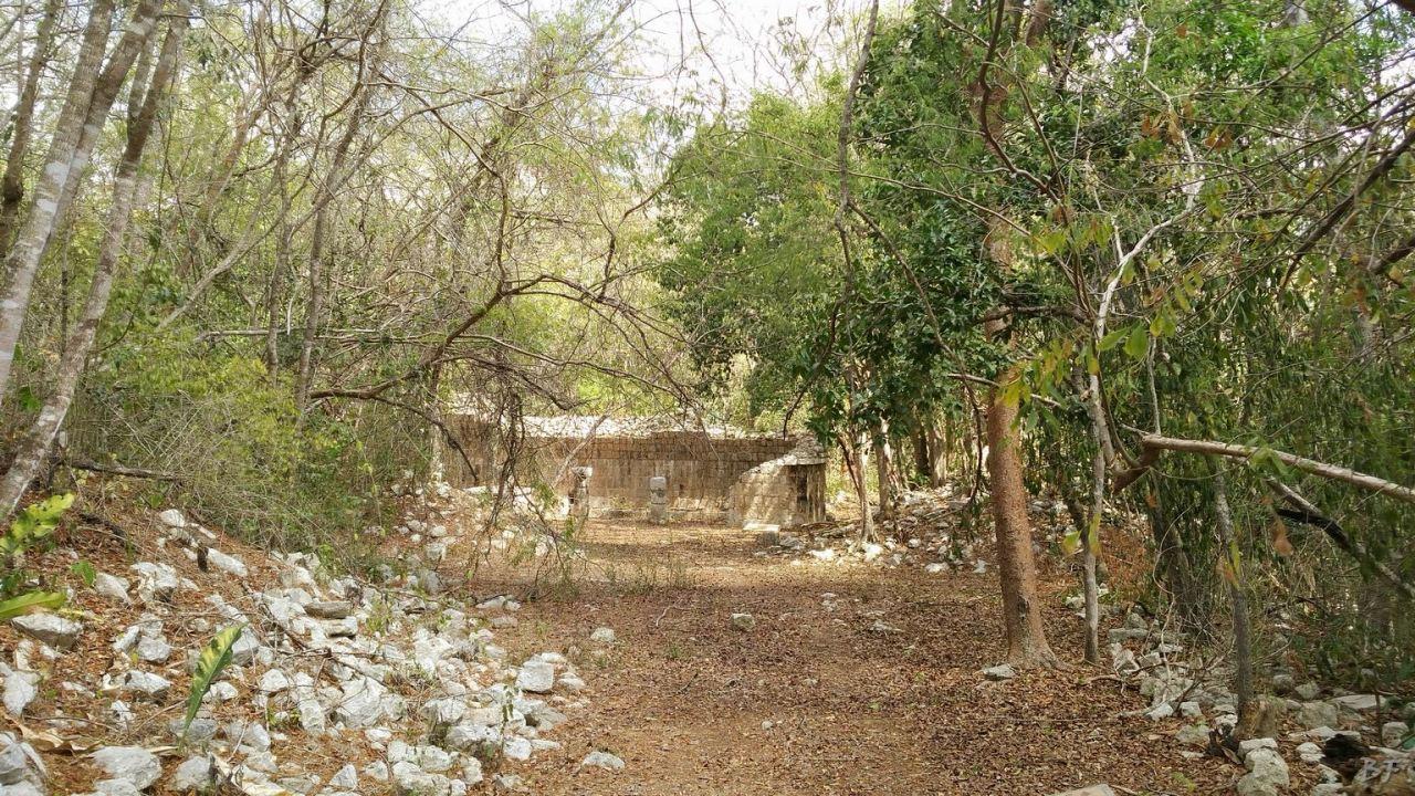 Sito-Megalitico-Maya-Chichen-Itza-Yucatan-Messico-33