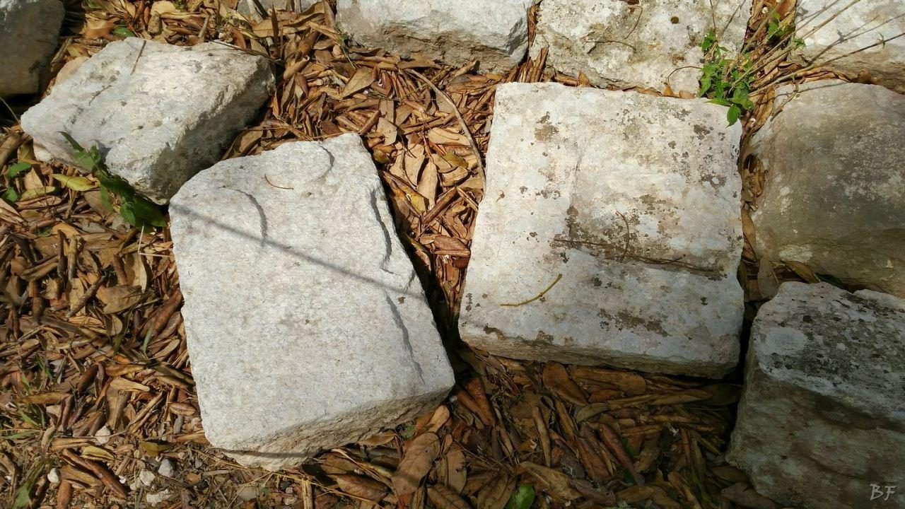 Sito-Megalitico-Maya-Chichen-Itza-Yucatan-Messico-36