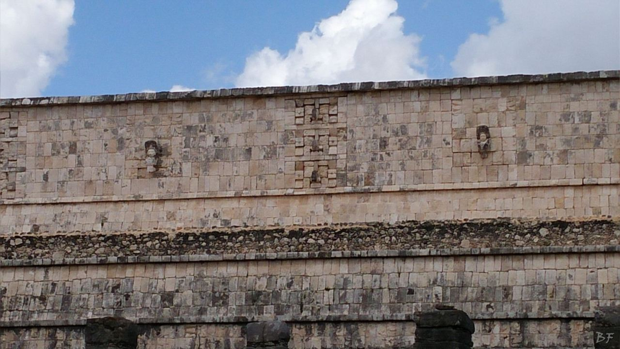 Sito-Megalitico-Maya-Chichen-Itza-Yucatan-Messico-39