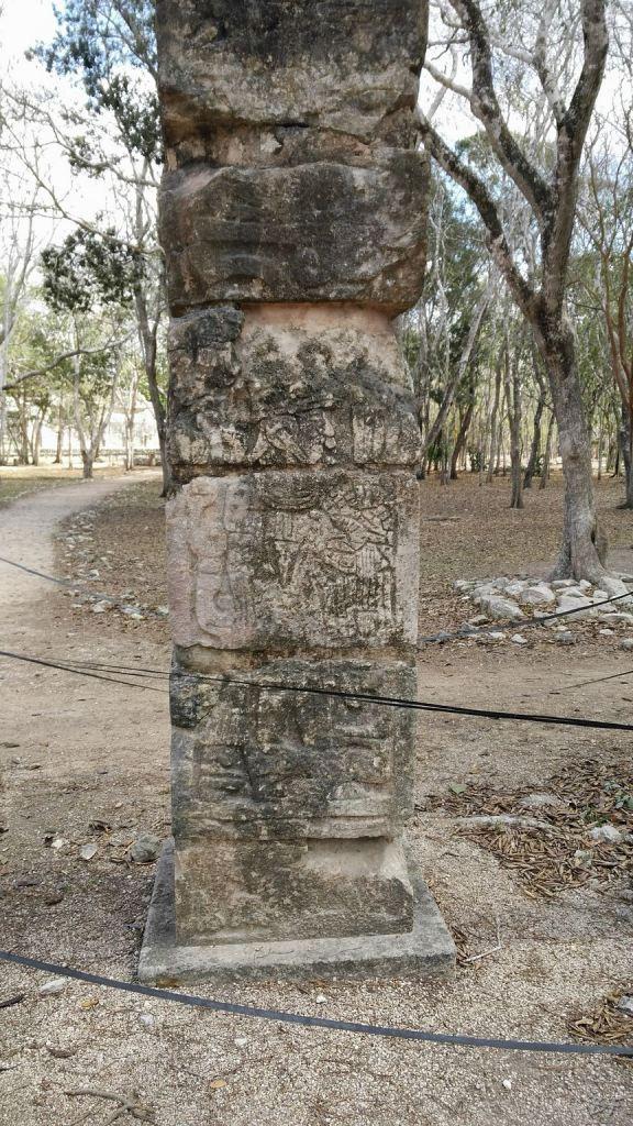 Sito-Megalitico-Maya-Chichen-Itza-Yucatan-Messico-41