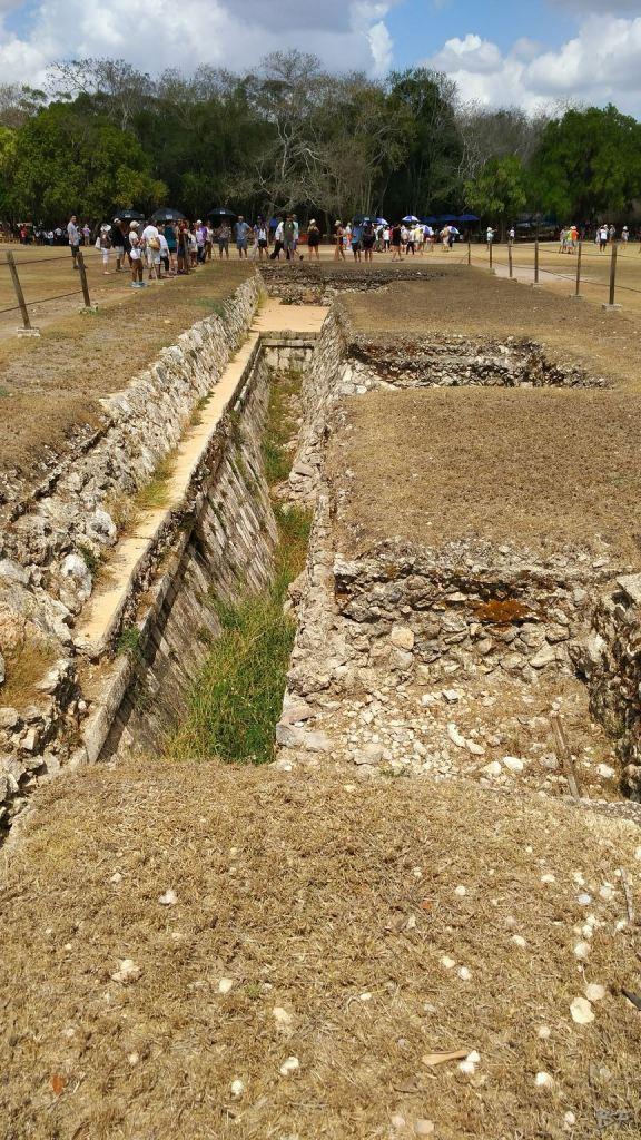 Sito-Megalitico-Maya-Chichen-Itza-Yucatan-Messico-42