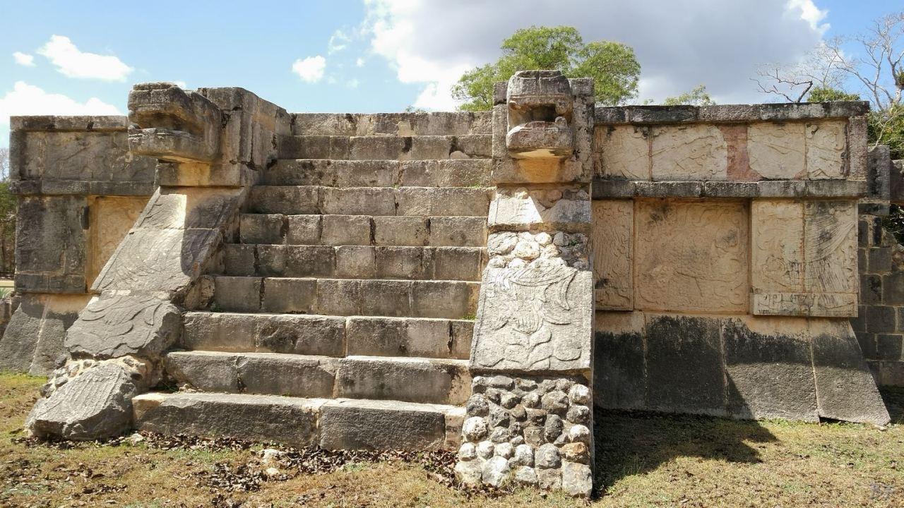 Sito-Megalitico-Maya-Chichen-Itza-Yucatan-Messico-57