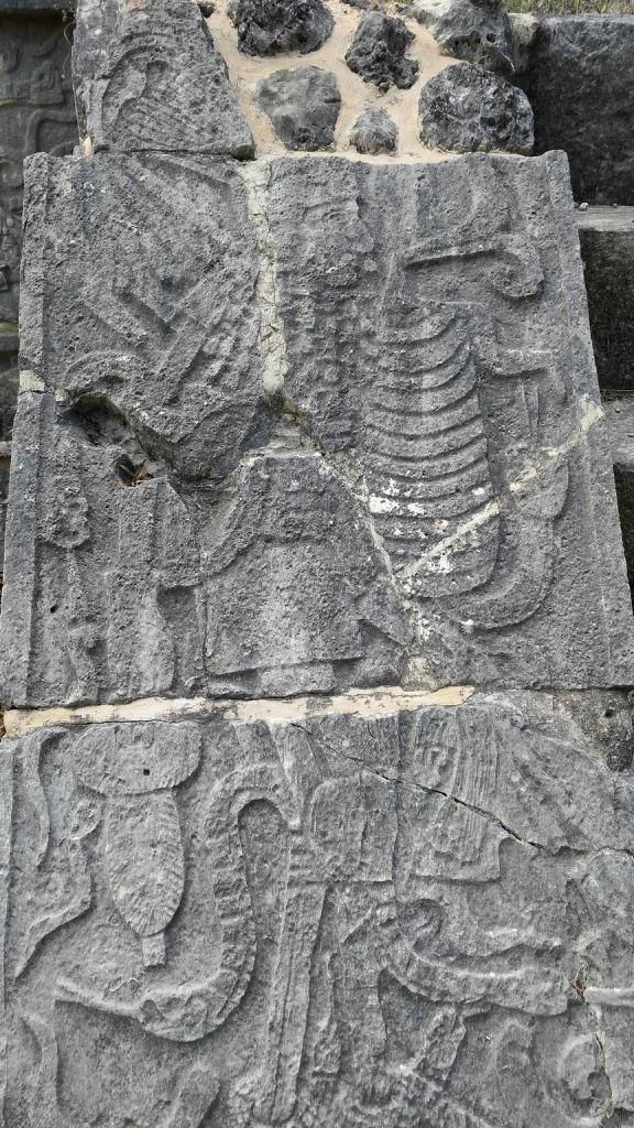 Sito-Megalitico-Maya-Chichen-Itza-Yucatan-Messico-63