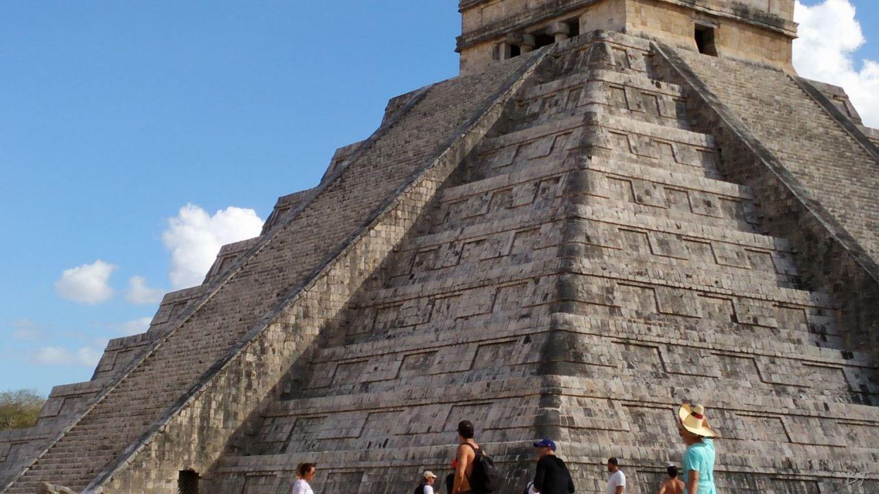 Sito-Megalitico-Maya-Chichen-Itza-Yucatan-Messico-7