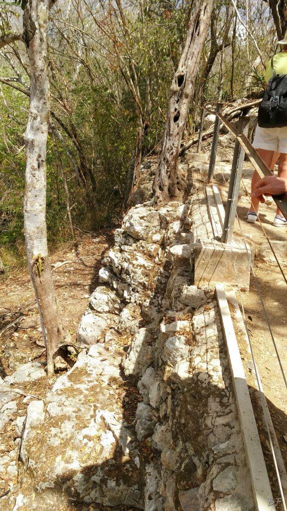 Sito-Megalitico-Maya-Chichen-Itza-Yucatan-Messico-73