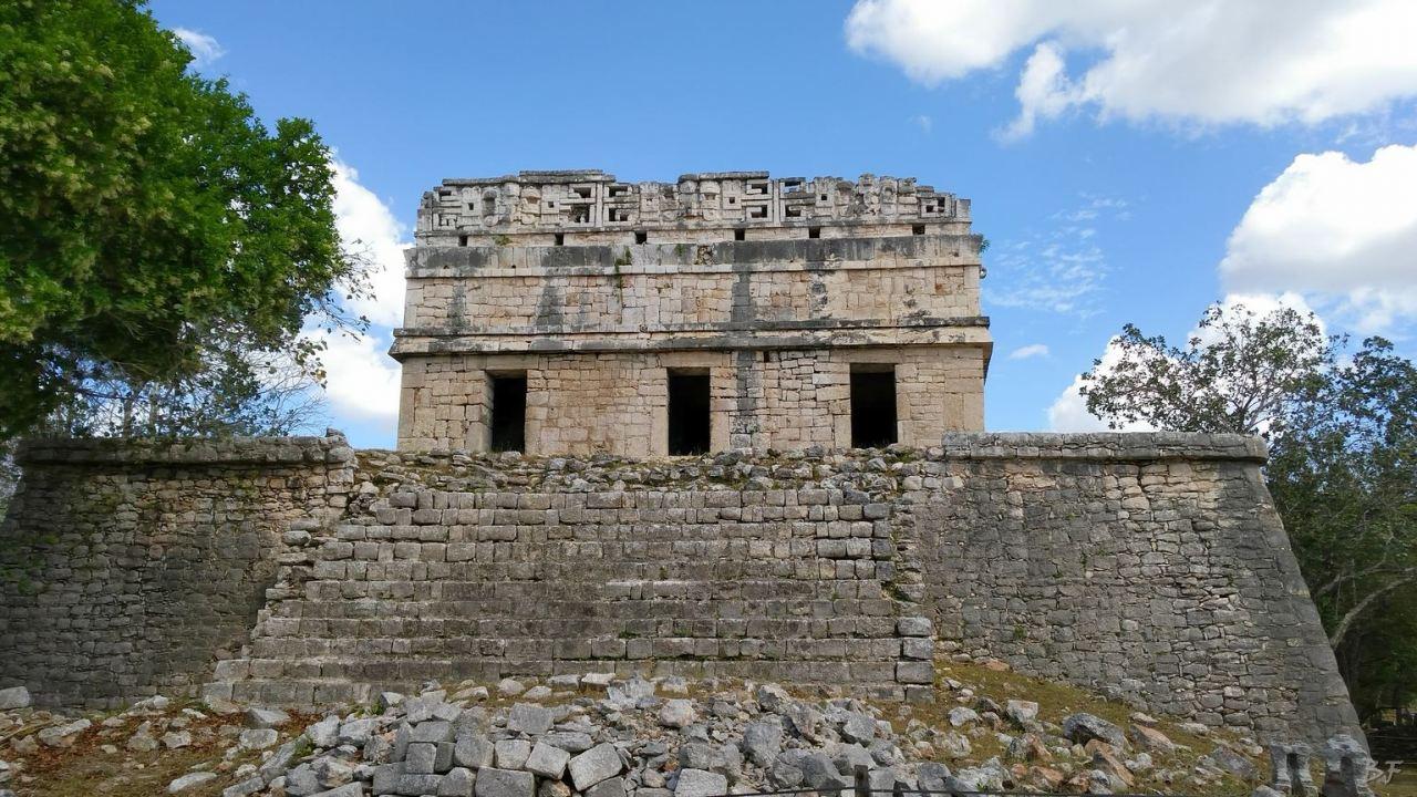 Sito-Megalitico-Maya-Chichen-Itza-Yucatan-Messico-8