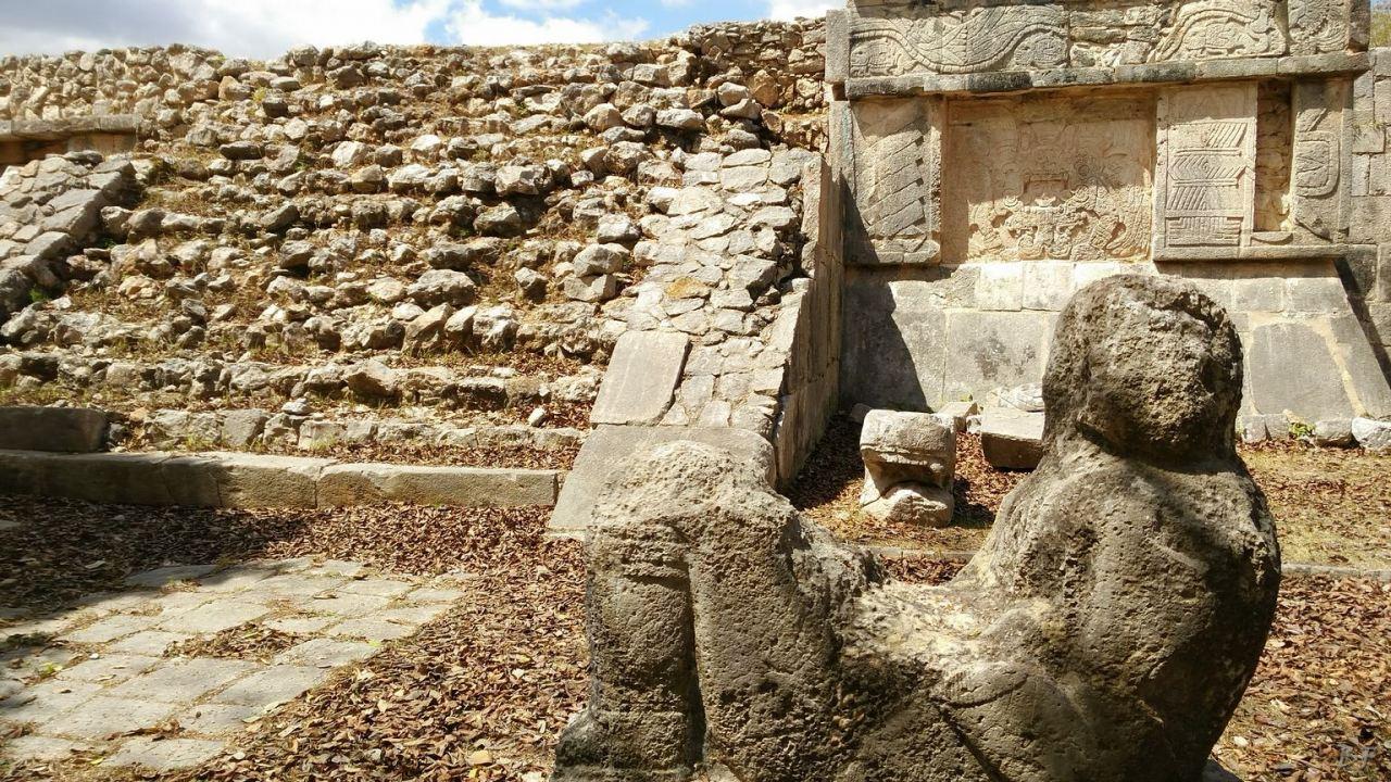Sito-Megalitico-Maya-Chichen-Itza-Yucatan-Messico-81