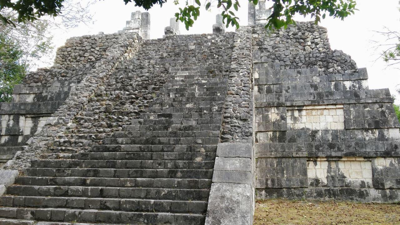 Sito-Megalitico-Maya-Chichen-Itza-Yucatan-Messico-85