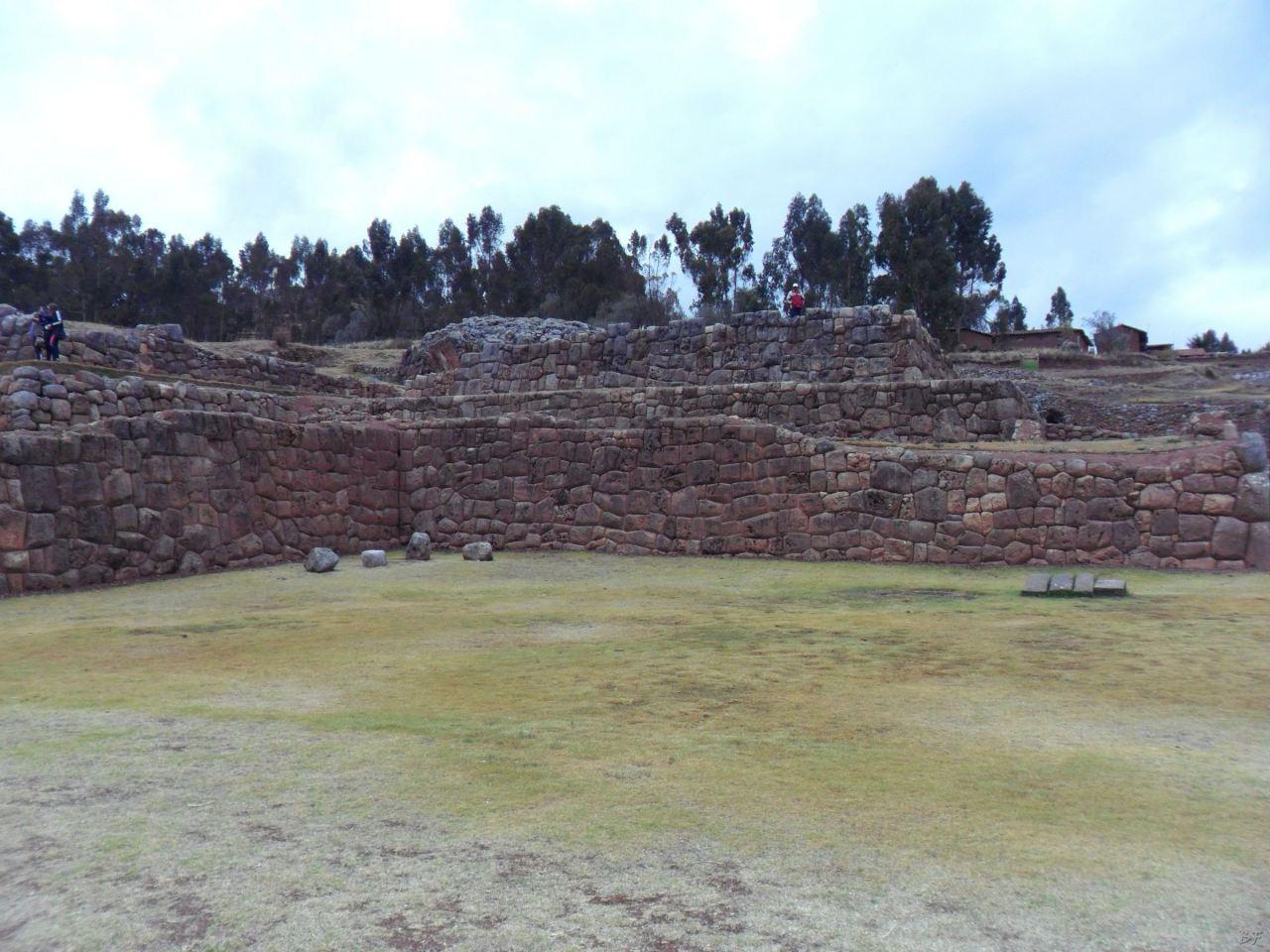 Chinchero-Mura-Poligonali-Piramide-Urubamba-Peru-1