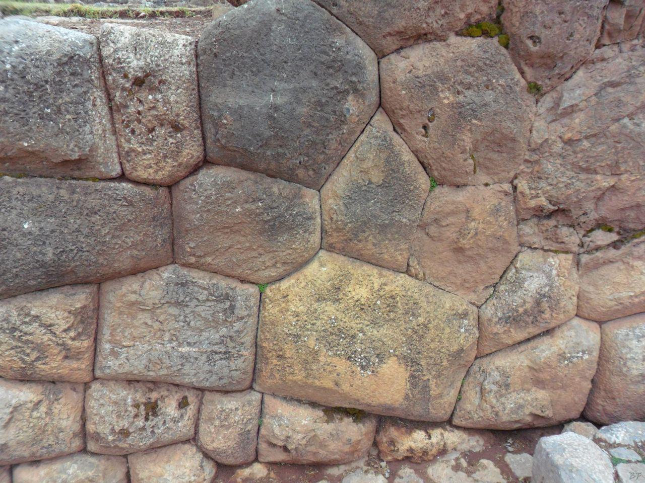 Chinchero-Mura-Poligonali-Piramide-Urubamba-Peru-27