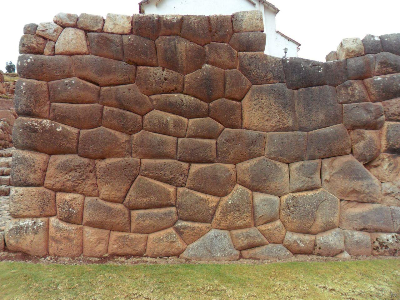 Chinchero-Mura-Poligonali-Piramide-Urubamba-Peru-31