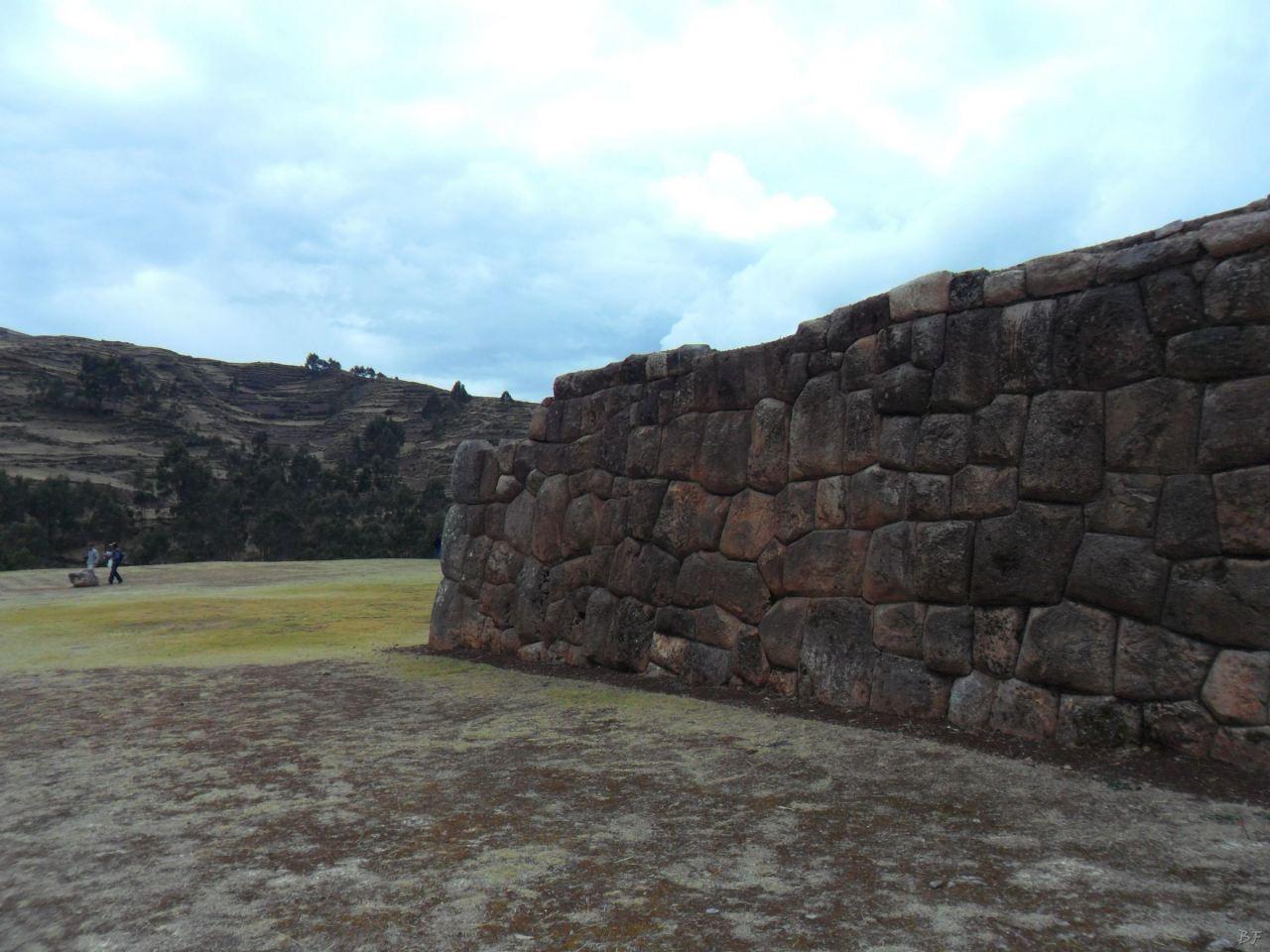 Chinchero-Mura-Poligonali-Piramide-Urubamba-Peru-37