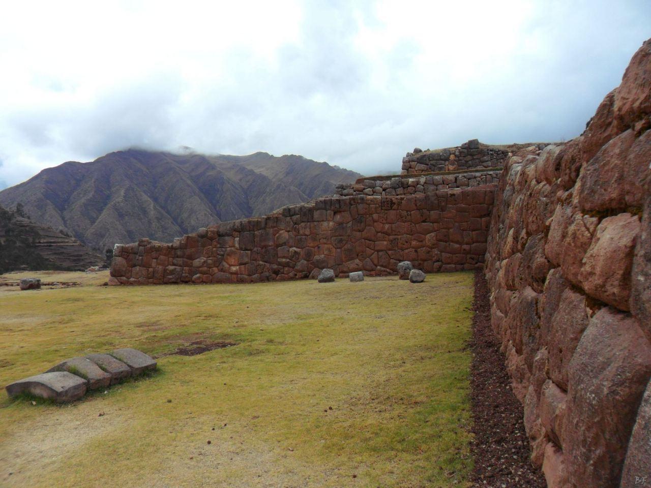 Chinchero-Mura-Poligonali-Piramide-Urubamba-Peru-38