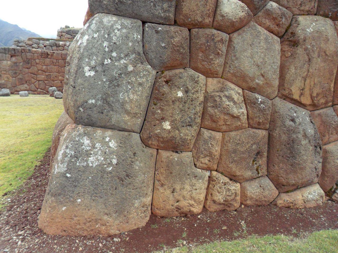 Chinchero-Mura-Poligonali-Piramide-Urubamba-Peru-39
