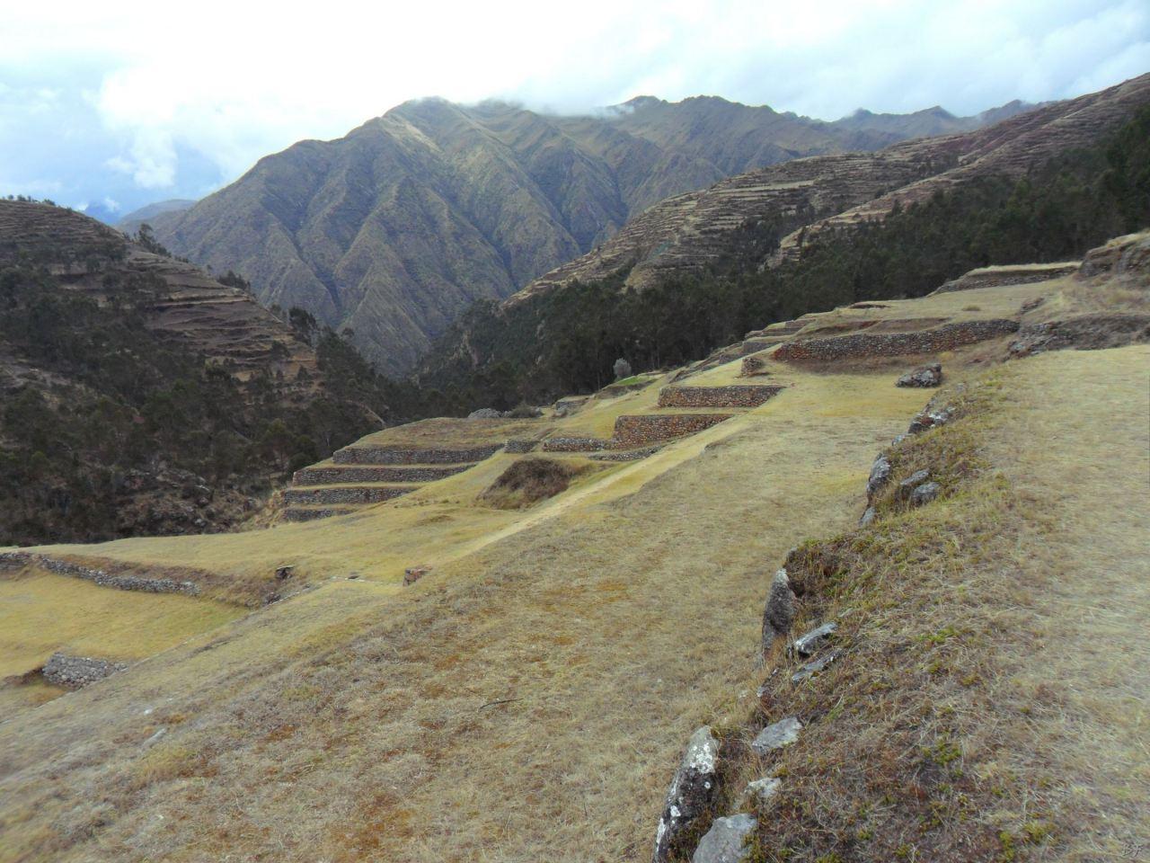 Chinchero-Mura-Poligonali-Piramide-Urubamba-Peru-54