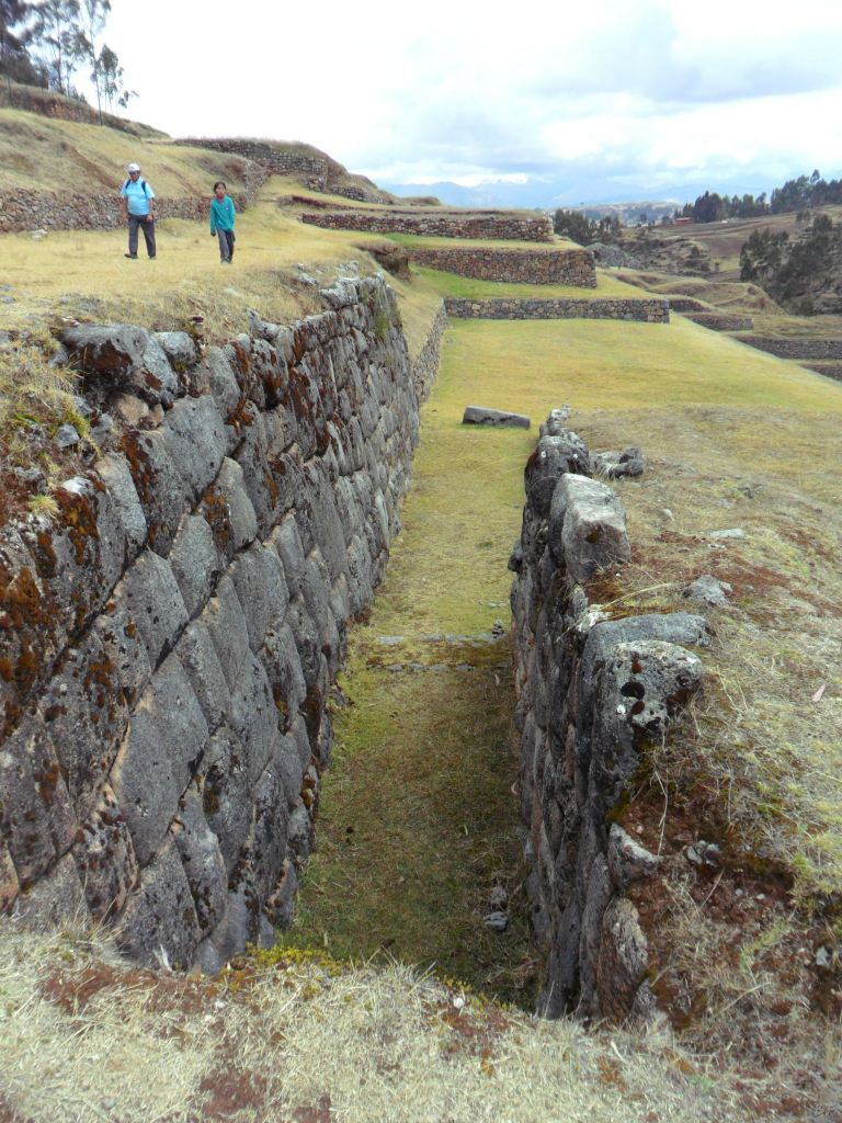 Chinchero-Mura-Poligonali-Piramide-Urubamba-Peru-59