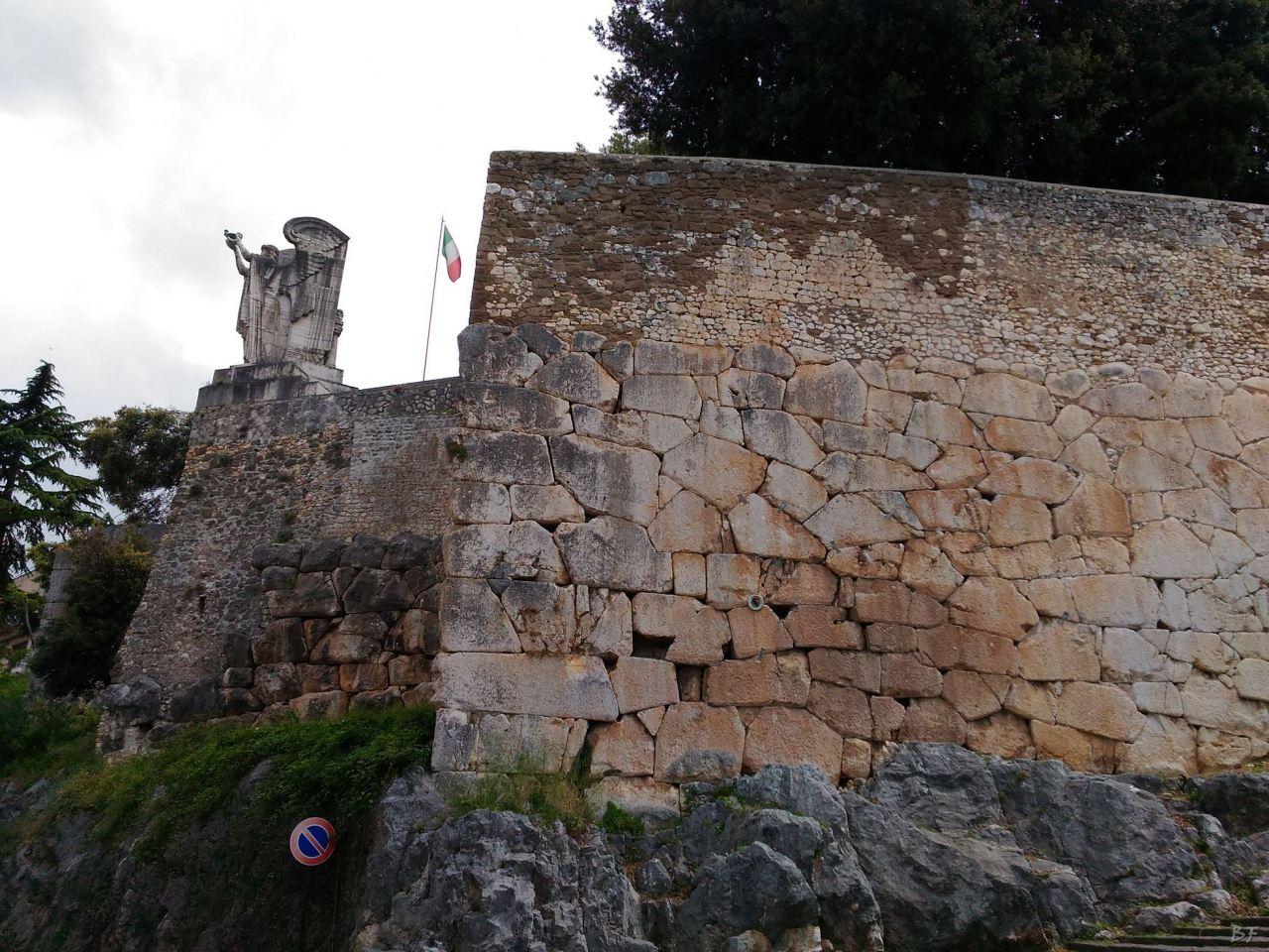 Cora-Mura-Poligonali-Megalitiche-Cori-Latina-Lazio-Italia-1