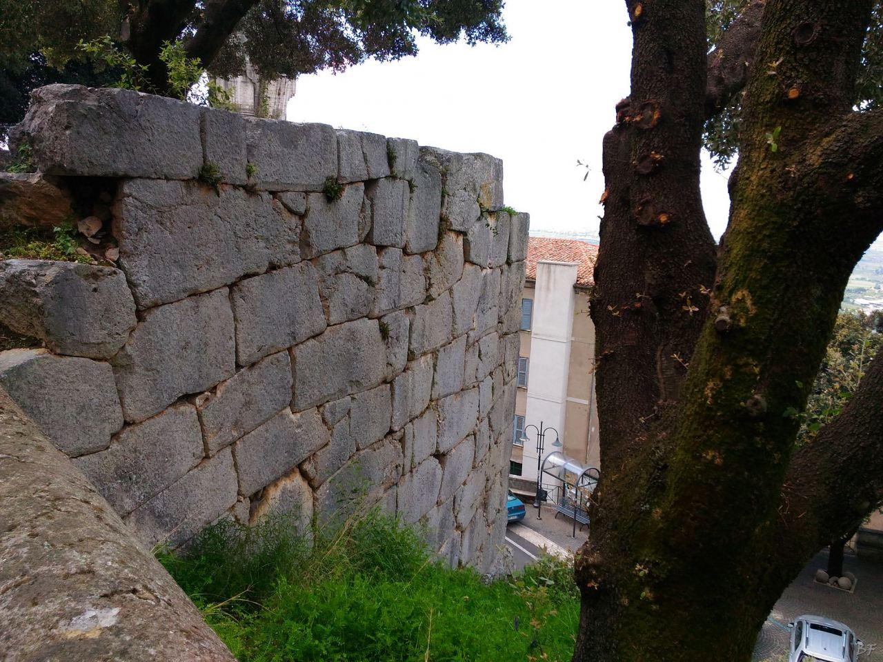 Cora-Mura-Poligonali-Megalitiche-Cori-Latina-Lazio-Italia-3
