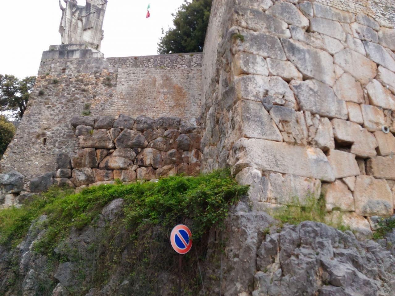 Cora-Mura-Poligonali-Megalitiche-Cori-Latina-Lazio-Italia-5