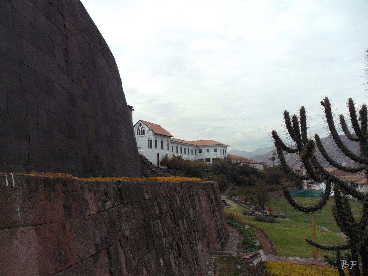 1_Mura-Poligonali-Megaliti-Tempio-Coricancha-Cusco-Perù-9