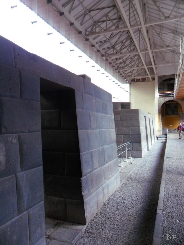 Mura-Poligonali-Megaliti-Tempio-Coricancha-Cusco-Perù-22