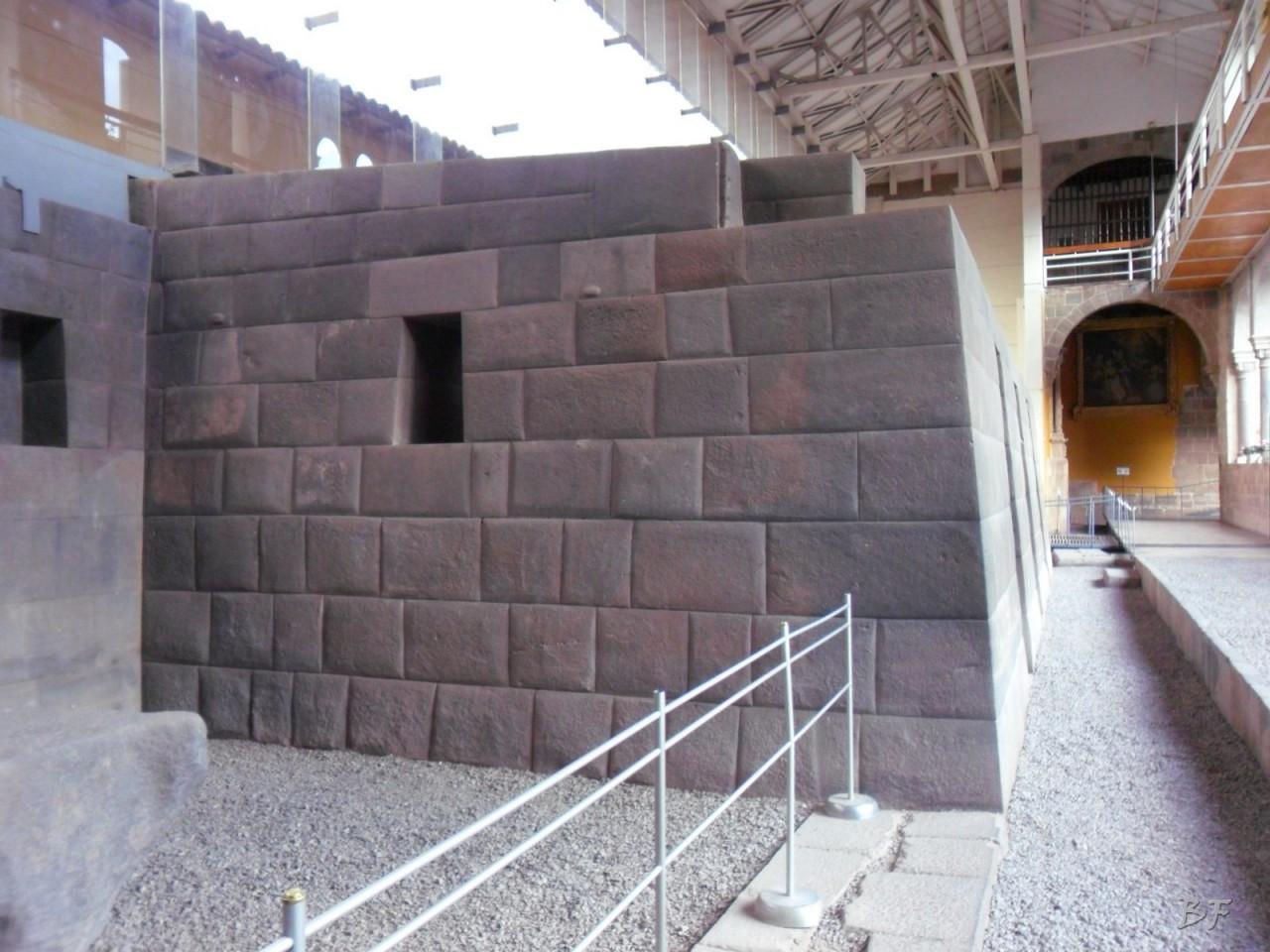 Mura-Poligonali-Megaliti-Tempio-Coricancha-Cusco-Perù-23