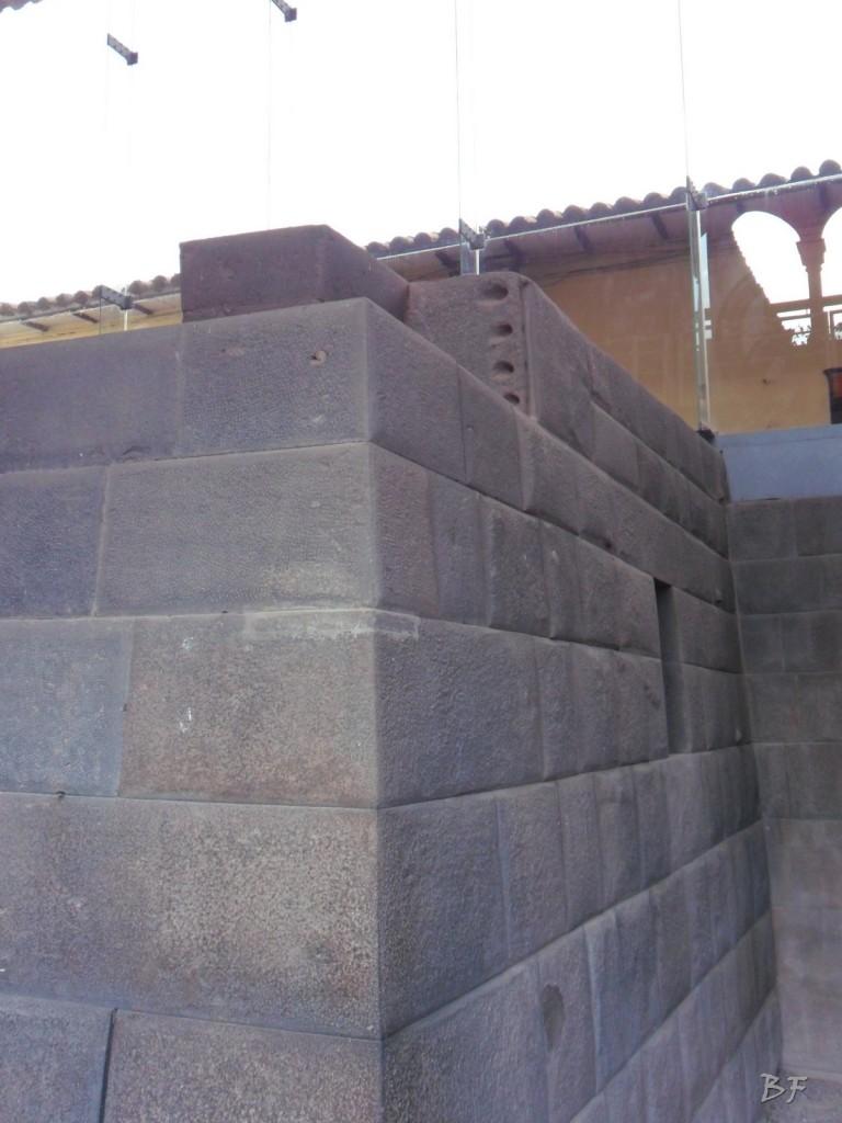 Mura-Poligonali-Megaliti-Tempio-Coricancha-Cusco-Perù-25
