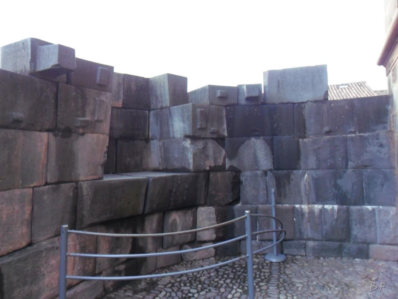 Mura-Poligonali-Megaliti-Tempio-Coricancha-Cusco-Perù-52