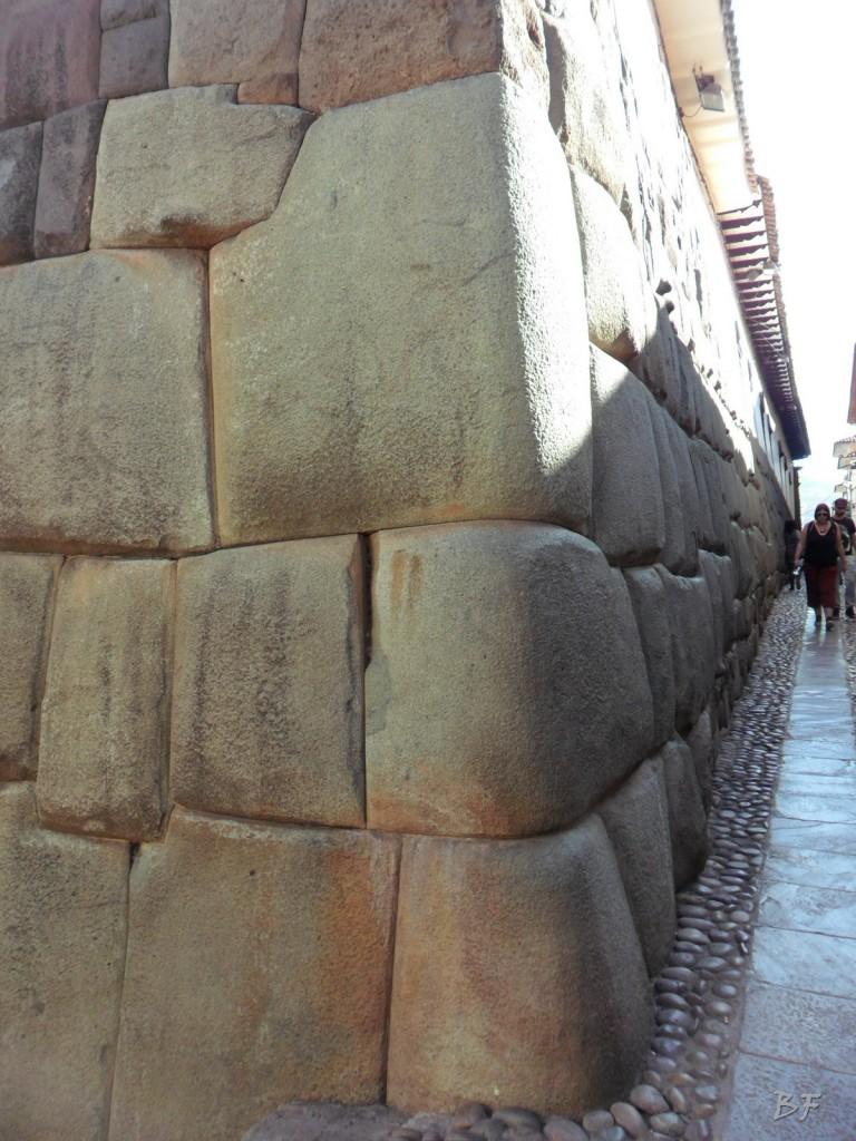 Mura-Poligonali-Megaliti-Cusco-Perù-10