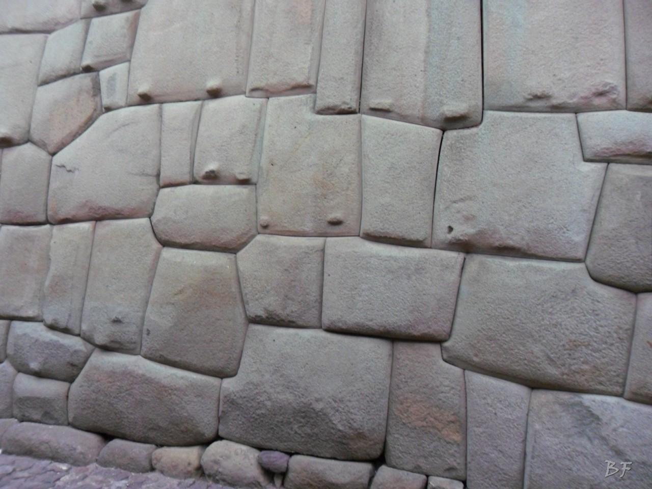 Mura-Poligonali-Megaliti-Cusco-Perù-26