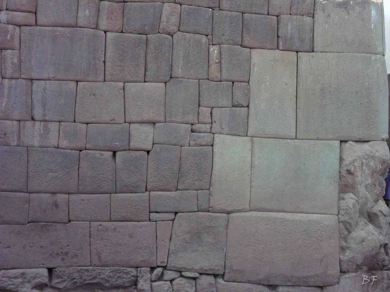 Mura-Poligonali-Megaliti-Cusco-Perù-36