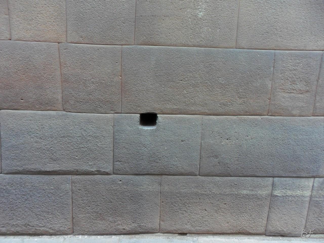 Mura-Poligonali-Megaliti-Cusco-Perù-38
